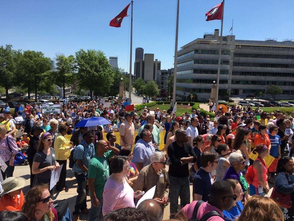 large group on the state capitol steps